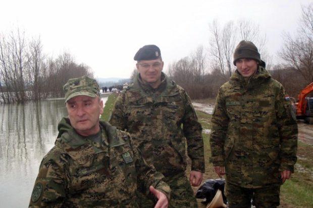 Sisačko-moslavačka županija: General Šundov posjetio vojnike na jasenovačkom području