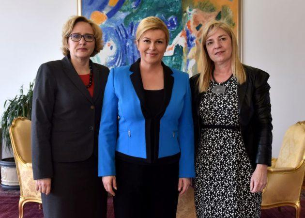 Predsjednica Grabar-Kitarović razgovarala o problemu blokiranih s pučkom pravobraniteljicom i pravobraniteljicom za djecu