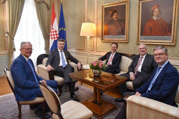 Predsjednik Vlade RH Plenković s potpredsjednikom EK Katainenom i povjerenicima Mimicom i Kingom