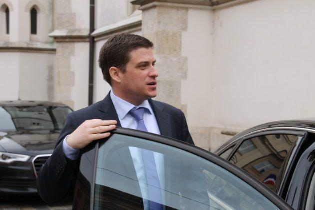 Ministar Butković: Treba smiriti tenzije po pitanju ekološke katastrofe u Slavonskom Brodu