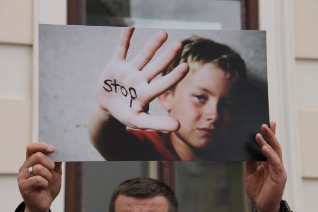 KURIKULARNA REFORMA – Udruge protiv navodnog institucionaliziranja pedofilije u školama