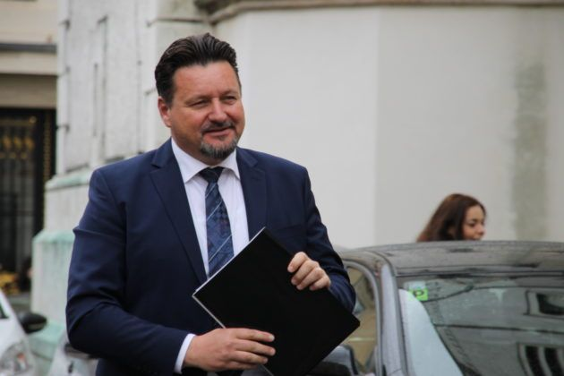 """Ministar Kušćević o prosvjedu u Splitu: """"Za dostojanstvo bez histerije"""""""