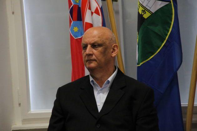"""General Ljubo Ćesić Rojs o Šešelju: """"Ja bih mu puka' dvije triske iza ušiju"""""""