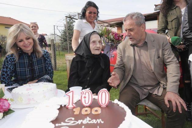 Ana Rendulić proslavila 100. rođendan, Bandić se pridružio i razveselio čestitkom