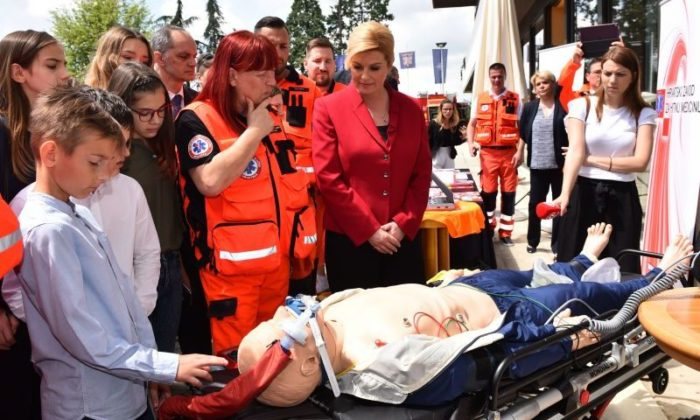 Dan otvorenih vrata u Uredu predsjednice Grabar-Kitarović posvećen službama za spašavanje