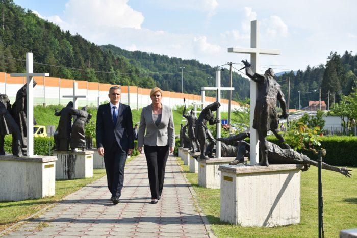 Predsjednica Grabar-Kitarović odala počast hrvatskim žrtvama ubijenim nakon završetka 2. Svjetskog rata