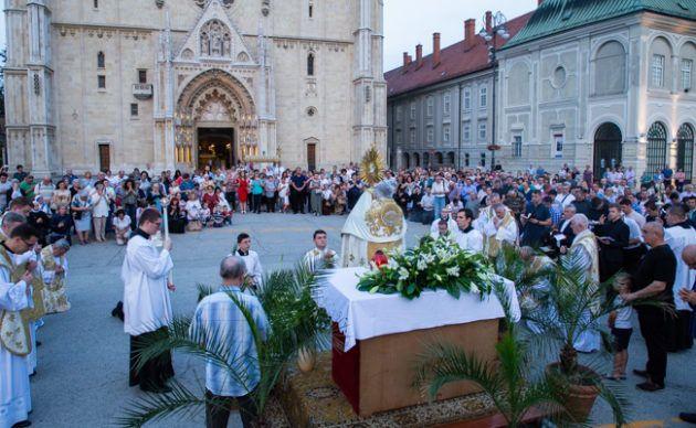 Blagdan je Tijelova – Biskup Gorski: U pričesti primamo život Božji za život ljudski
