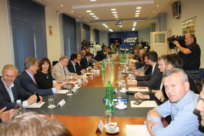 Vodstvo HDZ-a okupilo se na sjednici Predsjedništva i Nacionalnog vijeća HDZ-a