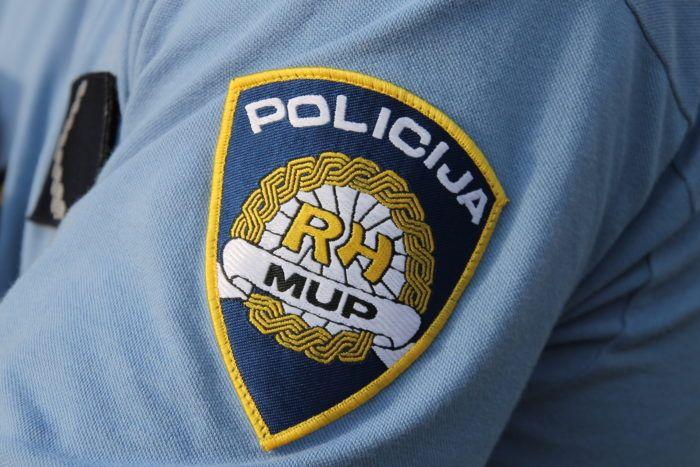 Državljanin Srbije prevozio migrante i bježao pred policijom na području Korenice