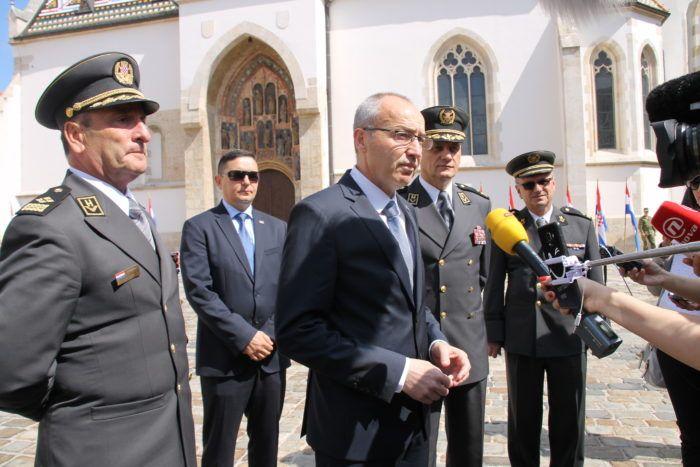 Ministar Krstičević čestitao svim vojnicima Dan Hrvatske vojske