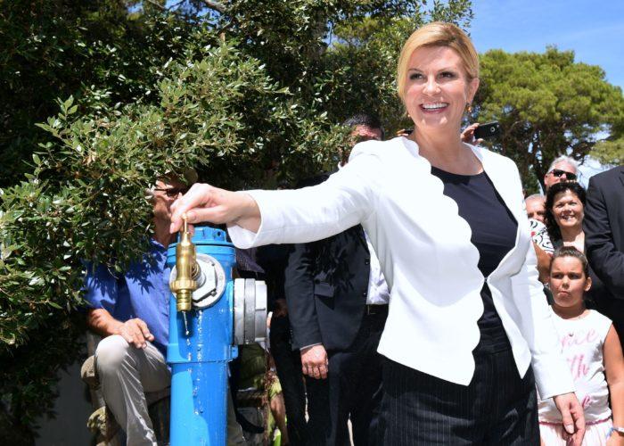 Predsjednica Grabar-Kitarović na Mljetu: Voda je bitan preduvjet kako bi se na otocima zadržali i na njih vratili ljudi