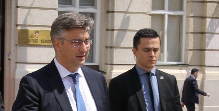 Premijer Andrej Plenković oštro odgovorio na Šešeljevu provokaciju: jabuka ne pada daleko od stabla