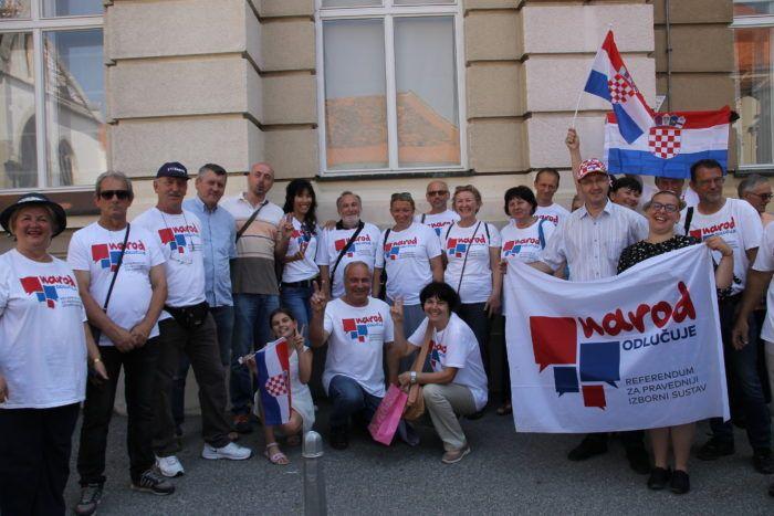 """Građanska inicijativa """"Narod odlučuje"""" objavila broj prikupljenih potpisa"""