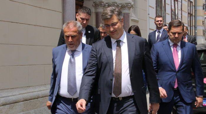 """Šef HDZ-a Plenković: """"Referendumska pitanja promašena i neodgovorna"""""""