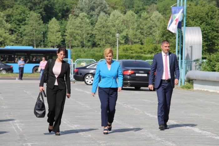 Predsjednica Grabar Kitarović: Kritike stanja u državi često se tumače kao kritiziranje Vlade RH