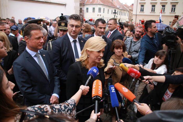 Državni vrh u povodu Dana državnosti: Stvoriti preduvjete za ostanak mladih