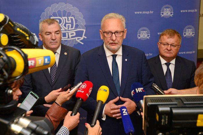 """Ministar Božinović: """"Ne postoji opasnost od stvaranja novog migrantskog koridora preko naše obale"""""""
