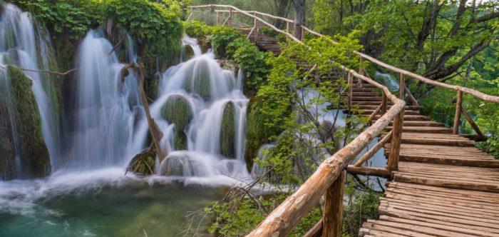 """NACIONALNI PARK PLITVIČKA JEZERA – Jedinstvena turistička ulaznica za """"destinaciju Lika"""""""