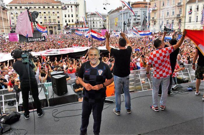 Zagrebački gradonačelnik Bandić zahvalio navijačima i svim nadležnim službama na besprijekornom dočeku Vatrenih