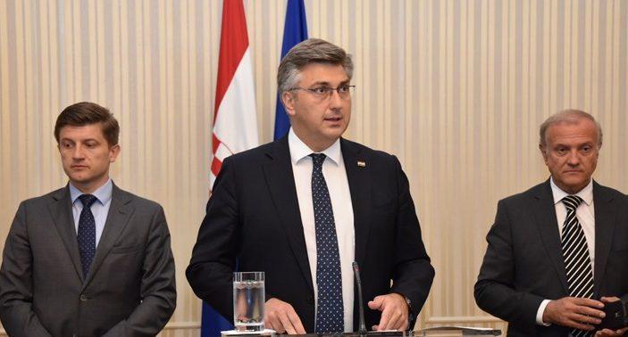Premijer i šef HDZ-a Plenković: Za 150.000 građana otpisan dug do 10.000 kuna plus kamate