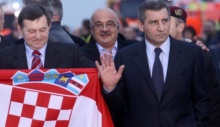 U Kninu za Dan pobjede predsjednica Grabar-Kitarović odlikuje generale Gotovinu i Markača