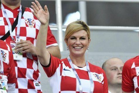 Predsjednica Grabar-Kitarović: Ljudi moji, moguće je!!!!!! Bravo, Vatreni! Bravo, svim navijačima! HRVATSKA JE U FIIIIIINAAAAALUUUU!!!!!