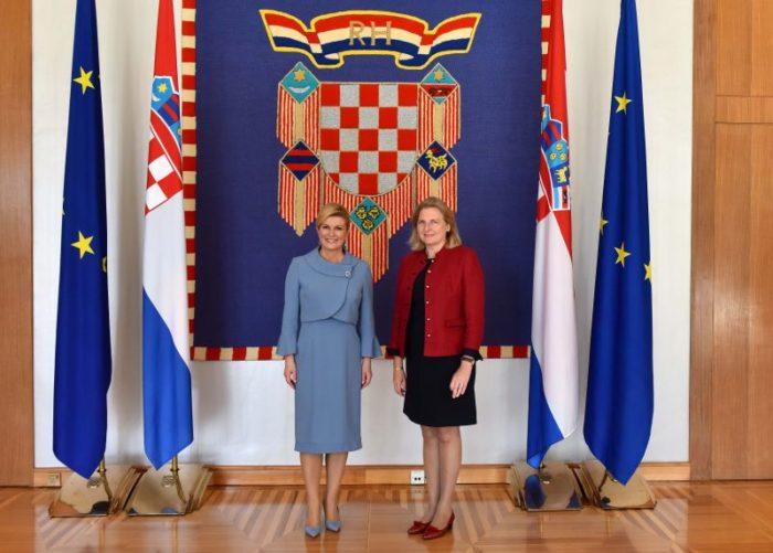 Predsjednica Grabar-Kitarović sa saveznom ministricom za Europu, integracije i vanjske poslove Republike Austrije