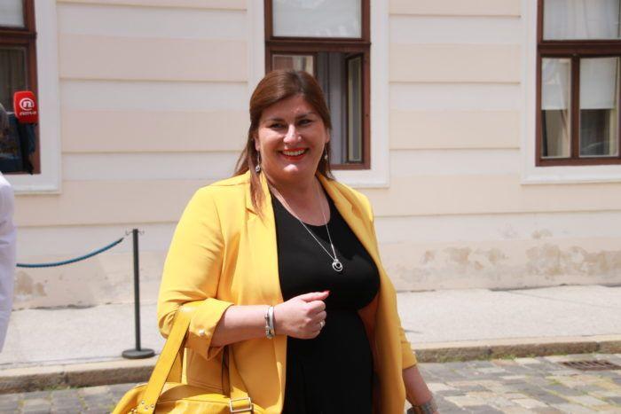 """Ministrica Gabrijela Žalac za povećanje trošarina na alkohol i cigarete: Uvijek mislim da treba povećati trošarine na alkohol i cigarete, dakako, ako je u pitanju """"zdravstvo"""""""