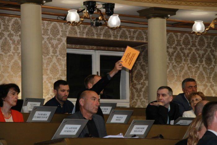 Gradska skupština: Odbačeni Bandićevi prijedlozi o smanjenju plaća zastupnicima i pročelnicima