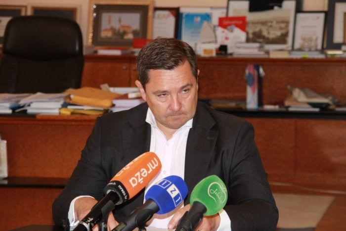 """""""ANONIMNA PRIJAVA"""" Potres u HDZ-u: Mikulić navodno tražio mito za javnu rasvjetu u Zagrebu"""