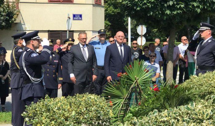 """27. godišnjica pogibije trojice policajaca – Božinović: """"Sjetimo se ponosnih sinova Domovine, prvih braniteljskih žrtava našega Grada Daruvara"""""""