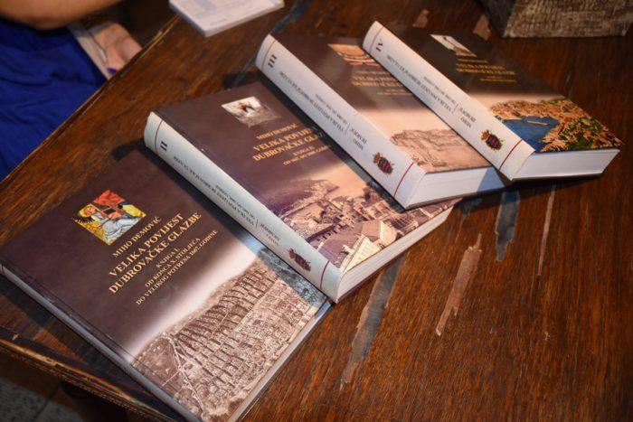 """Knjiga """"Velika povijest dubrovačke glazbe"""" predstavljena u Dubrovniku"""