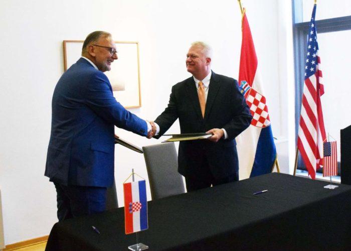 Božinović i Kable potpisali Memorandum o međusobnoj suglasnosti između Centra za nadzor terorista Vlade SAD-a i Ministarstva unutarnjih poslova RH