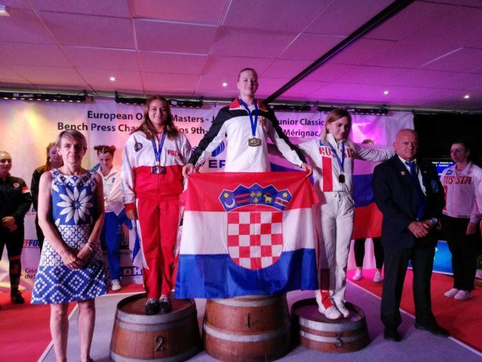 """ZLATNA HRVATSKA"" Andrea Petrek prvakinja Europe u bench pressu"