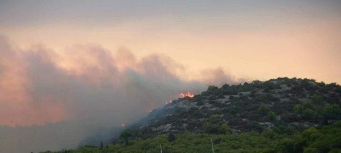 Požar kod Rogoznice pod kontrolom