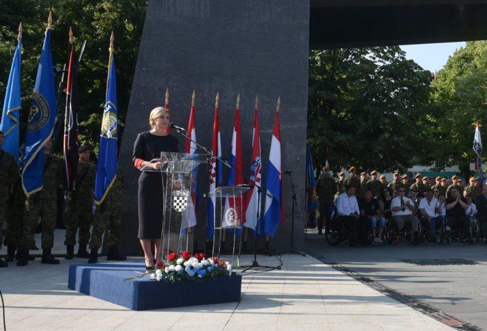 """""""DAN POBJEDE"""" Predsjednica Grabar-Kitarović: Vrijednosti domoljubnog zajedništva moraju se prenositi budućim naraštajima"""