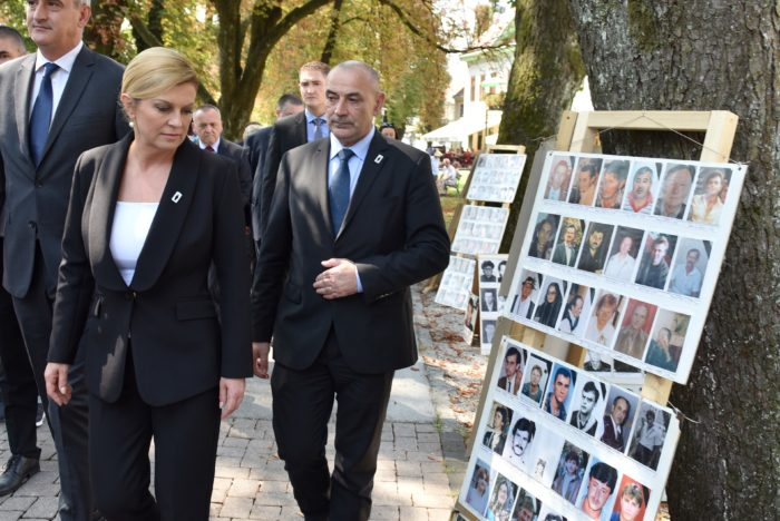 """""""MEĐUNARODNI DAN NESTALIH OSOBA"""" Predsjednica Grabar-Kitarović: """"Velikosrpska agresija zadala je Hrvatskoj mnogo rana, ali rana nestalih najveća je od sviju"""""""