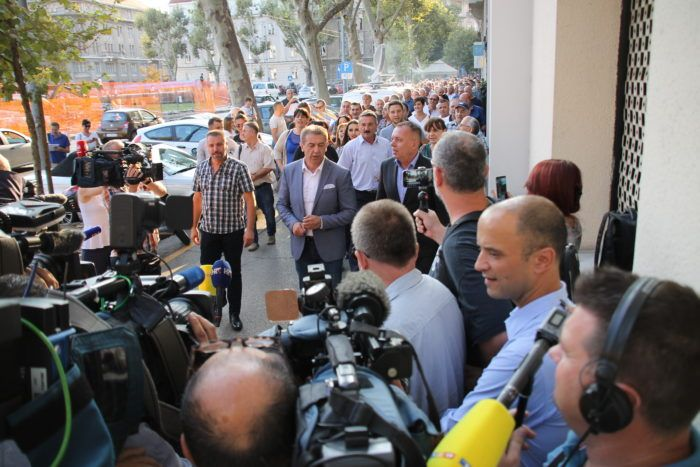 Gospićki HDZ-ovci došli na sastanak u središnjicu, traže datum stranačkih izbora u Gospiću