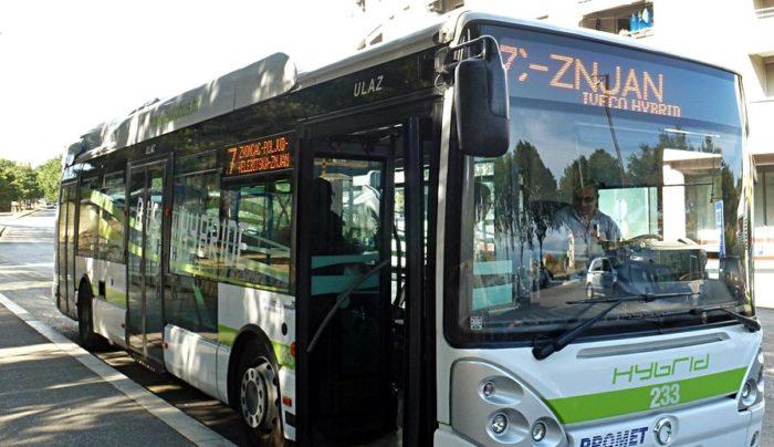 """""""Putnici iskazali nepoštivanje prema mladiću u invalidskim kolicima"""" Vozač zamolio putnike da na trenutak napuste autobus pa im rekao: Sramite se!"""