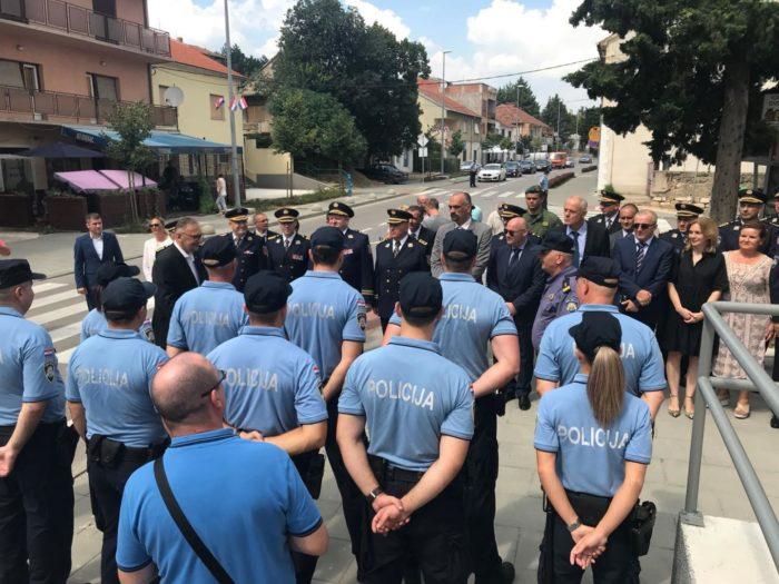 Ministar Božinović posjetio novouređene prostorije Policijske postaje Knin