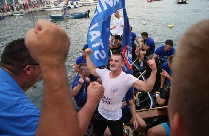 Ekipa Stablina pobjednici 21. neretvanskog Maratona lađa