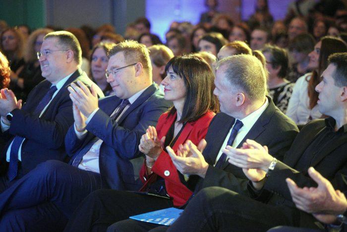 Ministrica Divjak: Pilot projekt e-Škole povećao digitalnu zrelost u deset posto hrvatskih škola