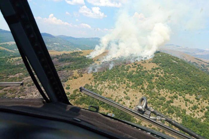 Zračne snage nastavljaju gasiti požar kod Otrića