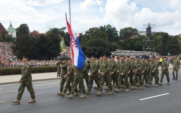 Hrvatski vojnici na mimohodu Oružanih snaga Republike Poljske
