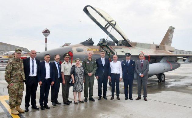 Politički i vojni vrh na Plesu obišao izraelske zrakoplove koji će na obljetnicu Oluje preletjeti Knin