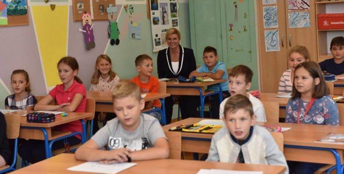 Predsjednica Grabar-Kitarović poželjela učenicima, učiteljima i roditeljima uspješan početak nove školske godine