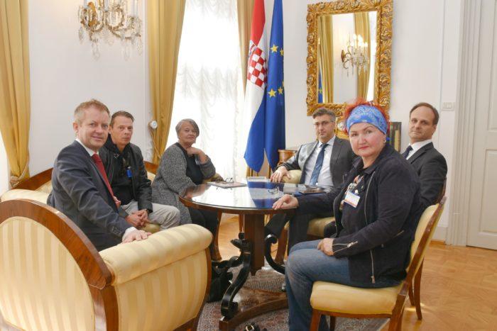 Predsjednik Vlade Plenković primio majku i brata Jean-Michela Nicoliera nestalog hrvatskog branitelja Vukovara