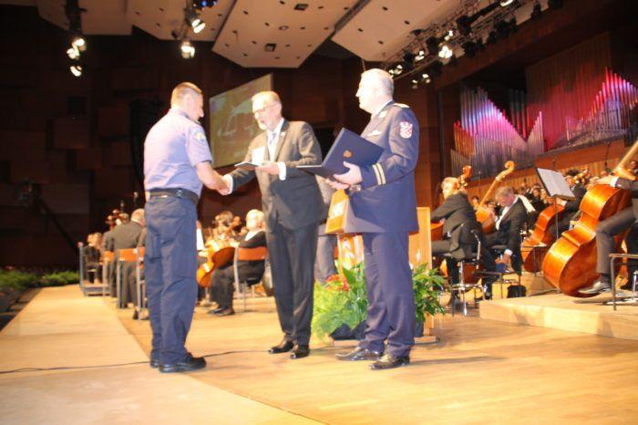 Za Dan policije nagrađeni najbolji policajci i skupine