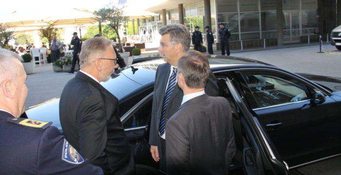 Premijer i šef HDZ-a Plenković: Treba učiniti apsolutno sve da se preveniraju bilo kakve tenzije u društvu