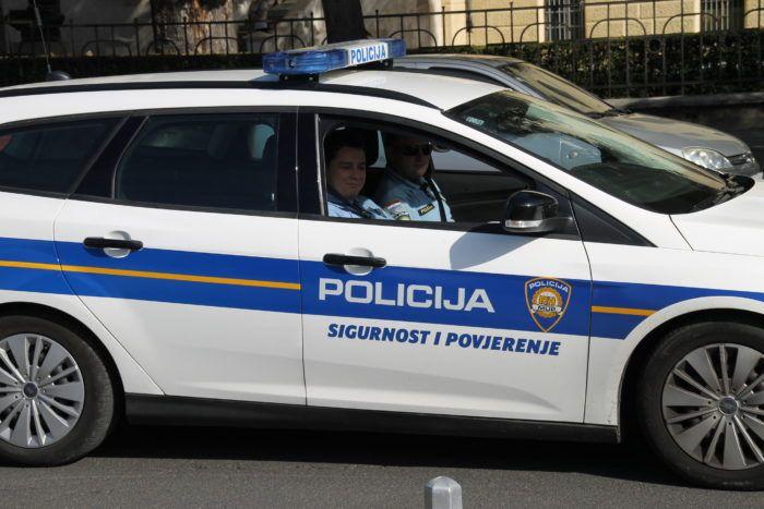 Hrvatska policija demantira izjavu Sirijca da ga je u Smoljancu na silu odvojila od djeteta